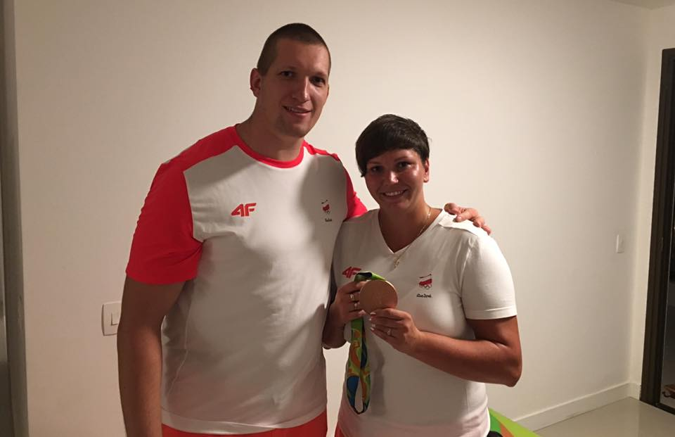 Wojciech Nowicki wraz z trenerem