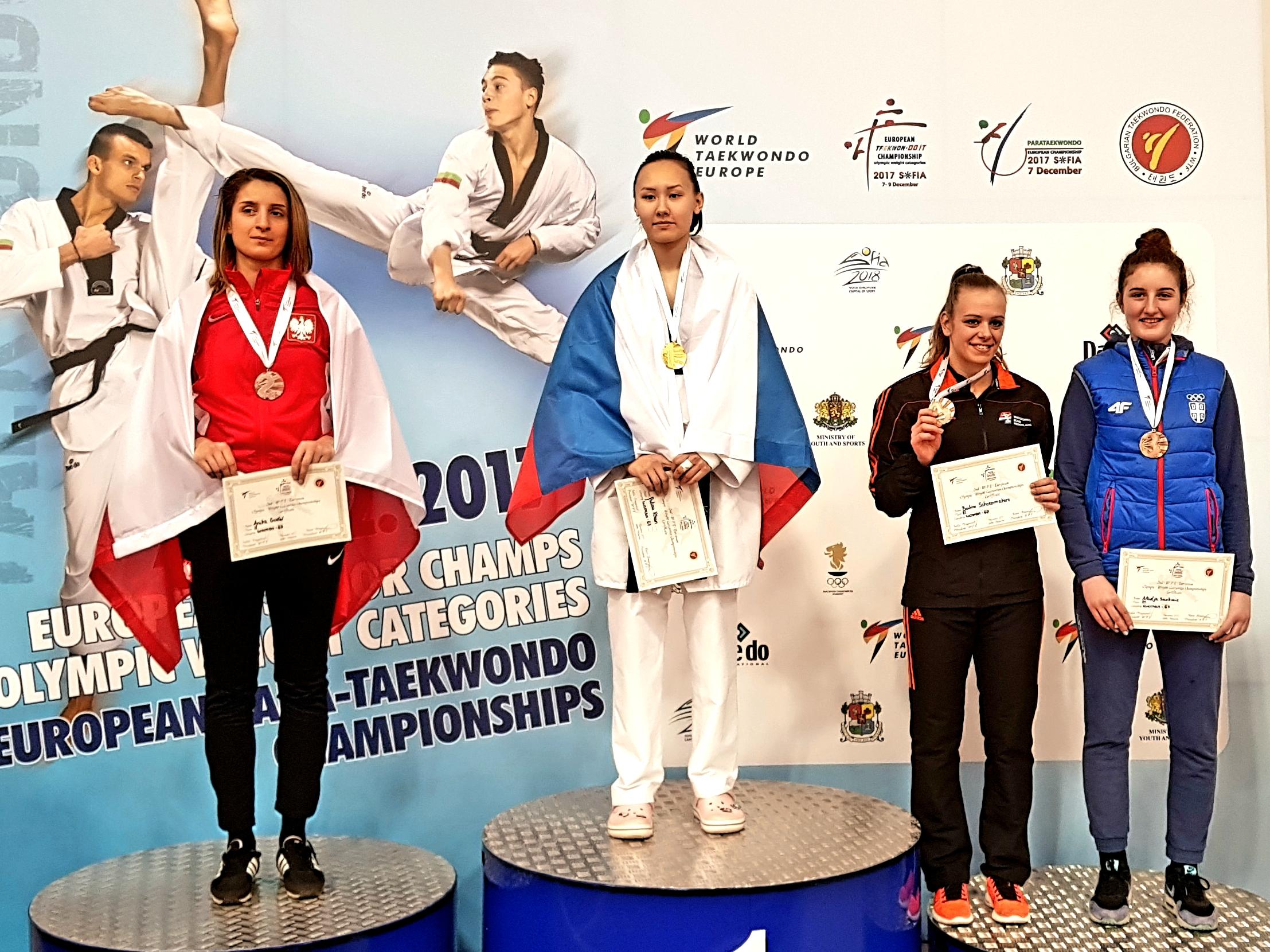 Anika Godel-Chełmecka na podium