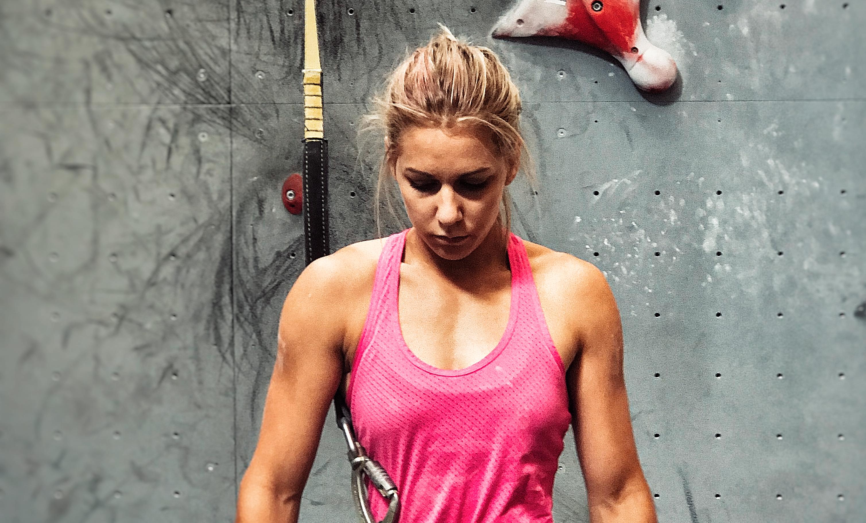 Aleksandra Rudzińska na zawodach wspinaczki sportowej na czas