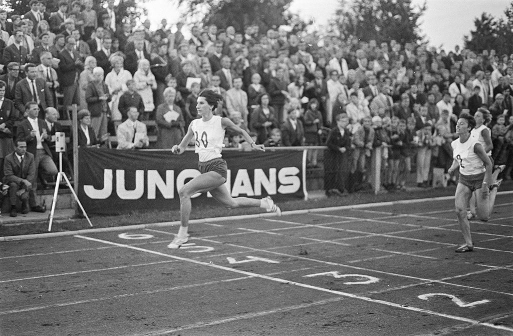 Irena Szewińska podczas biegu