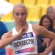 Karolina Kucharczyk przygotowuje się do swojej próby