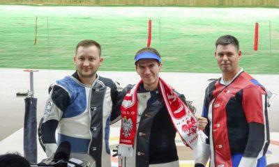 Tomasz Bartnik wraz z medalistami