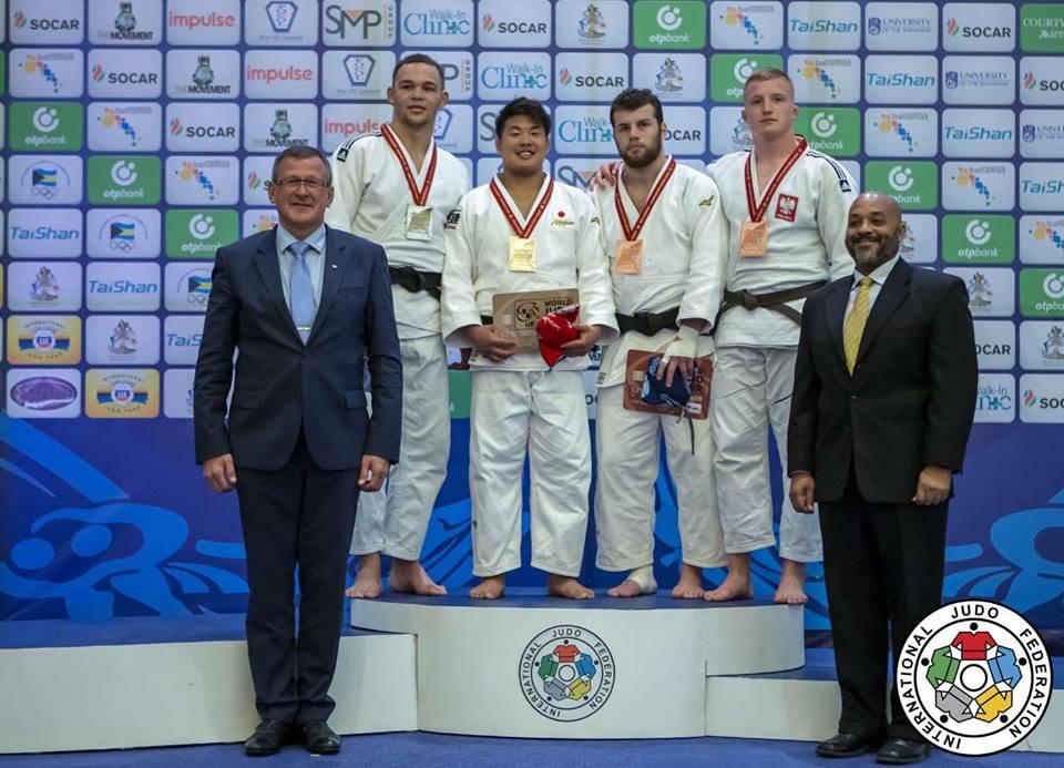 Iwo Baraniewski z medalem