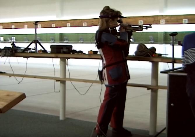 Renata Mauer-Różańska strzela