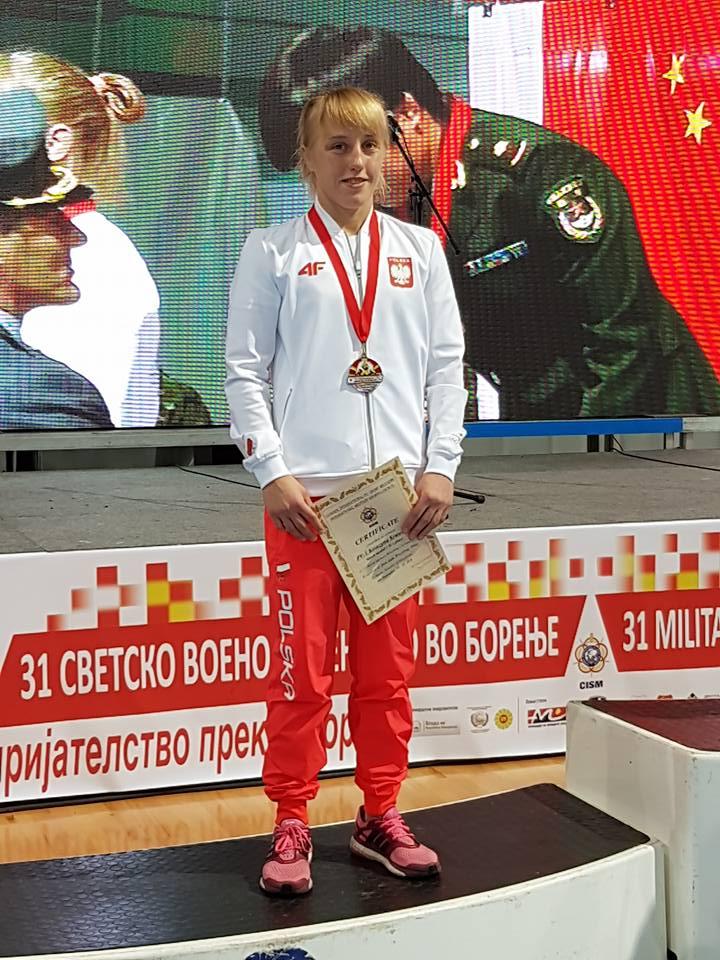 Katarzyna Krawczyk z medalem