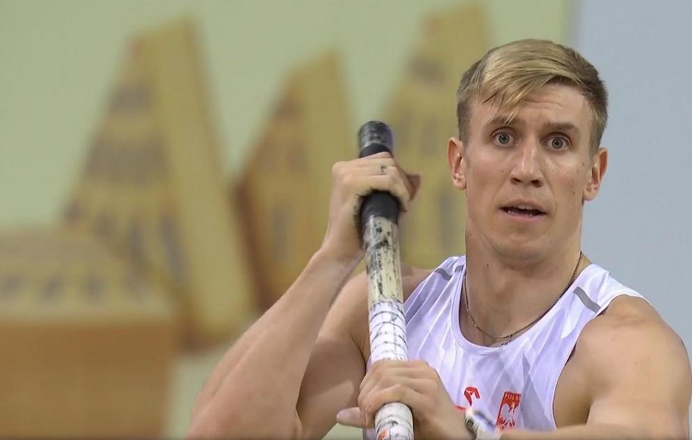Piotr Lisek w walce o złoto