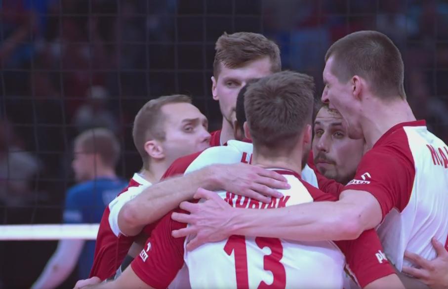 Polscy siatkarze podczas meczu z Francją